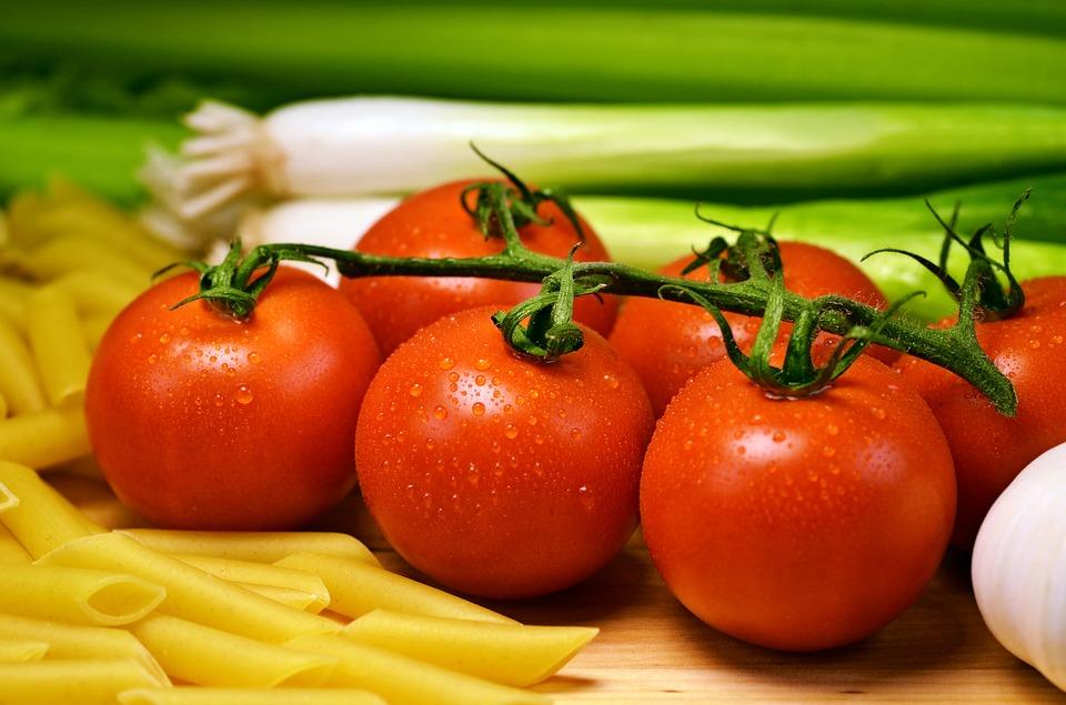 Bổ sung dinh dưỡng trong thời kỳ kháng dịch, dùng cà chua làm các món ăn ngon tốt cho sức khỏe